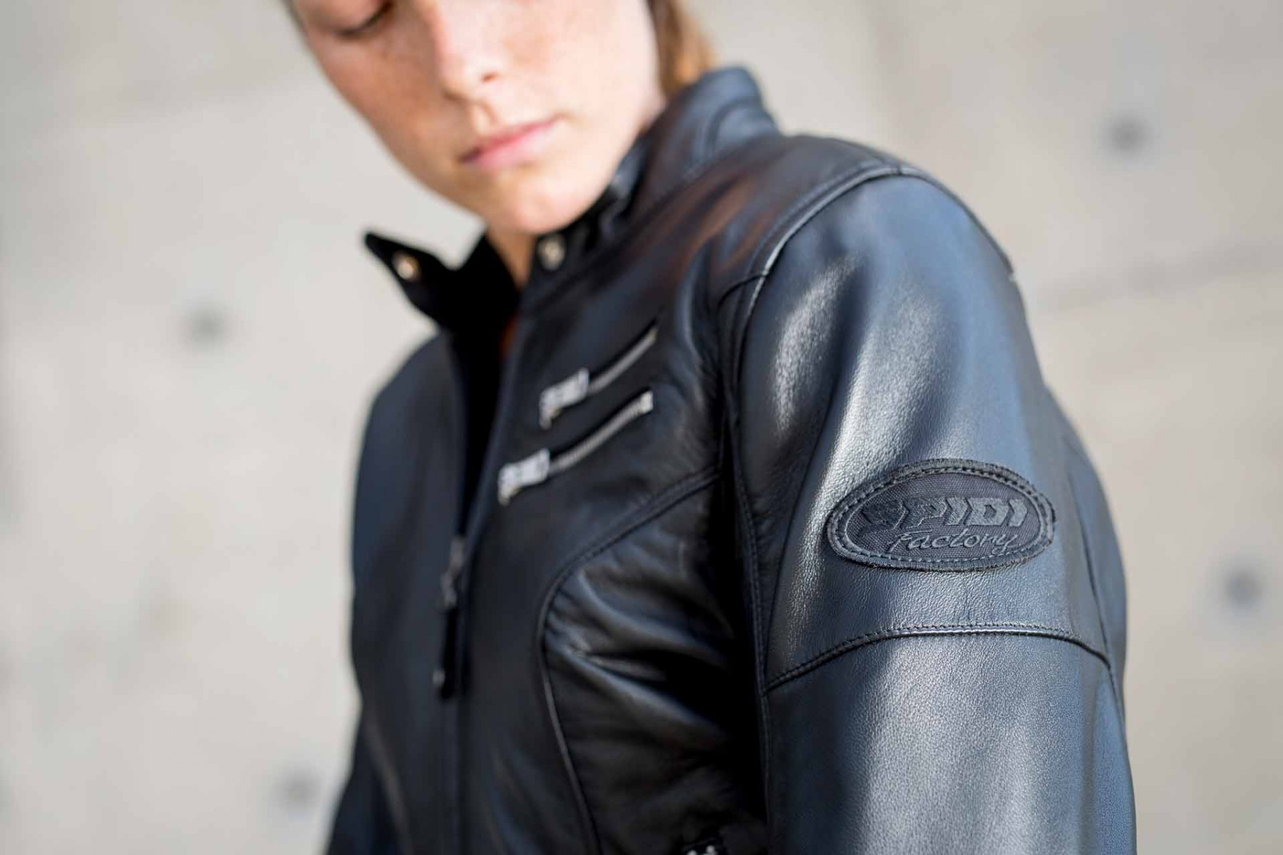 Giacca In Pelle Cafe Race Donna